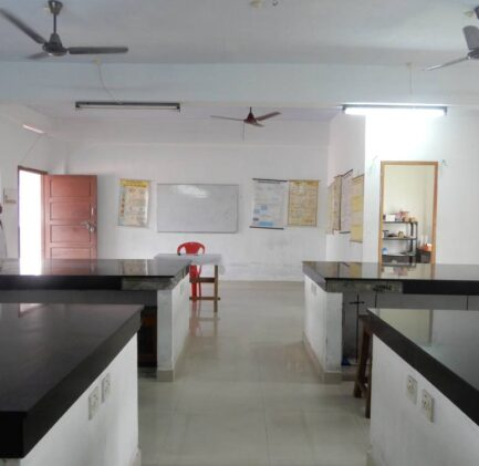 SGPS-ATTINGAL-PHYSICS LAB (3)